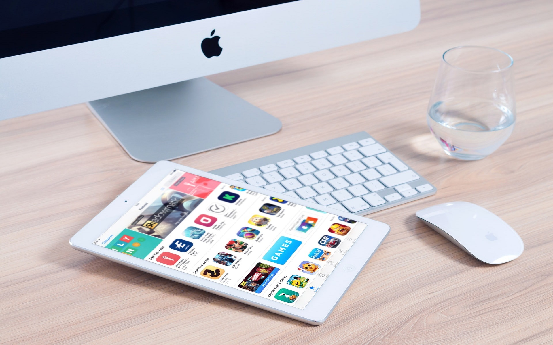 Mobile Application Downloads Continue to Soar Amid the World Lockdown - SYMSWEB
